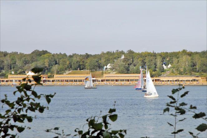 Les Berlinois de l'Ouest chérissaient le Wannsee, cette vaste étendue d'eau située entre Berlin et Potsdam. Aujourd'hui encore, le lac attire plus de 10 000 baigneurs par jour.