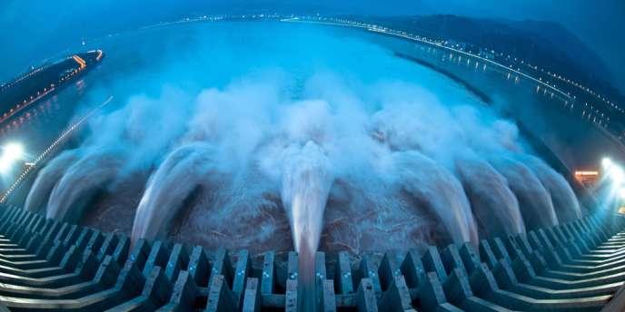 Barrage des Trois Gorges sur le fleuve Yangtsé dans le Yichang.