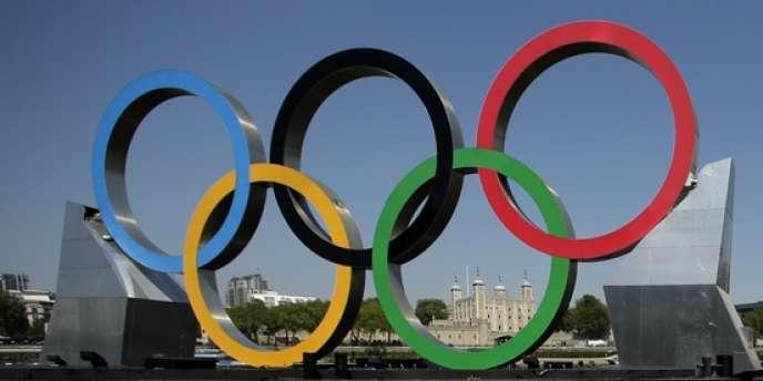 Les anneaux olympiques de Londres.