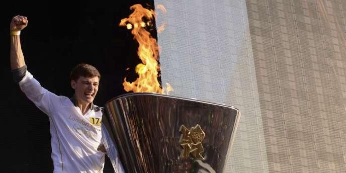 Après la cérémonie d'ouverture des JO de Londres vendredi soir, la flamme olympique s'allumera dans le stade de Stratford pour 17 jours d'exploits.