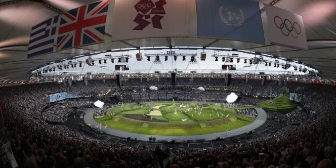 Le 27 juillet 2012 à 22 heures (heure française), la cérémonie d'ouverture a lancé les 30e Jeux olympiques organisés pour la troisième fois à Londres.