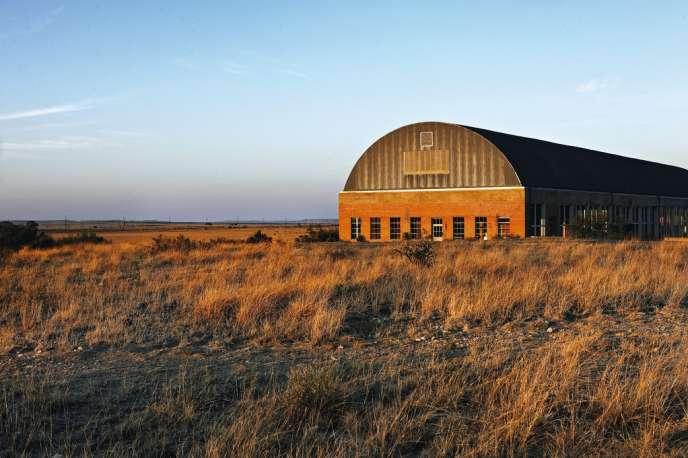 C'est ici que tout a commencé. Donald Judd  a investi dans les années 1980 cet ancien dépôt d'artillerie pour y installer des œuvres gigantesques. Ainsi est née la Fondation Chinati.