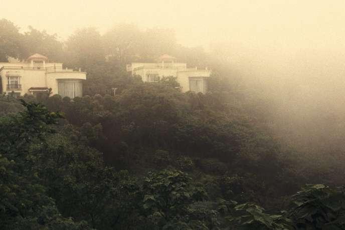 Le corps de Heywood a été retrouvé au Nanshan Lijing Holiday Hotel, sur les hauteurs de Chongqing, empoisonné au cyanure.