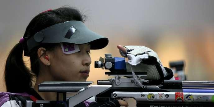 Yi Siling est la première championne olympique des JO 2012 en tir à la carabine à 10 m.