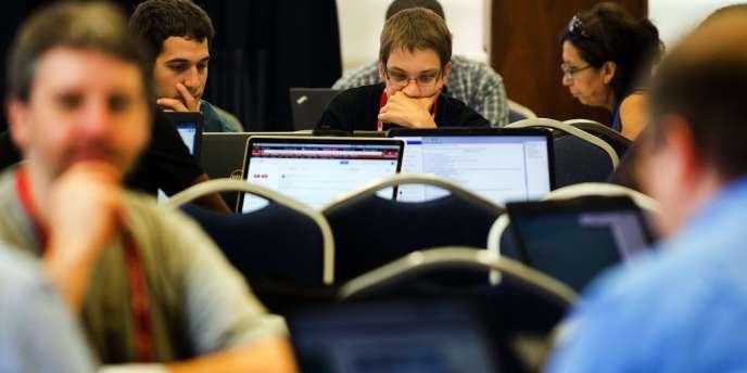 L'Agence de sécurité nationale (NSA), l'un des organismes les plus secrets du renseignement américain, a proposé vendredi à la communauté des hackers de coopérer pour rendre Internet plus sûr.