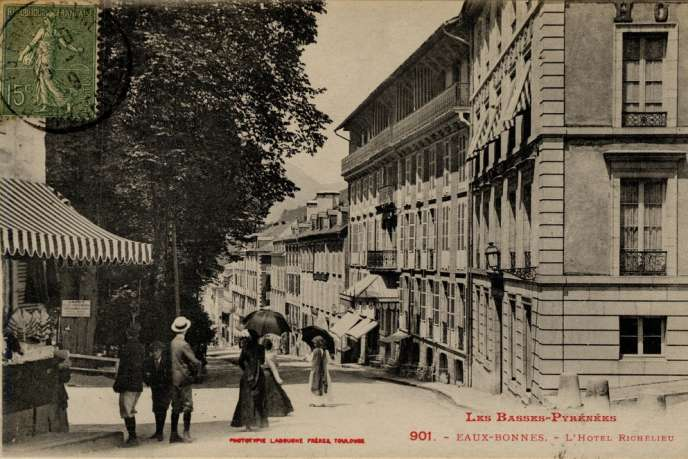 Carte postale de la commune d'Eaux-Bonnes dans les Pyrénées-Atlantique.