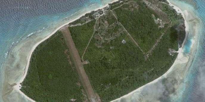 Selon le gouvernement des Seychelles, l'île d'Arros a été rachetée pour 60 millions de dollars par une compagnie enregistrée en mai dans l'archipel, dirigée par deux avocats de Genève et appartenant à une compagnie offshore enregistrée aux îles Vierges britanniques.