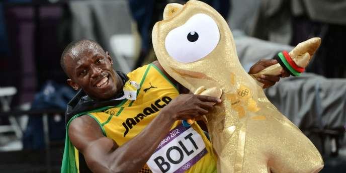 Usain Bolt pose avec Wenlock.