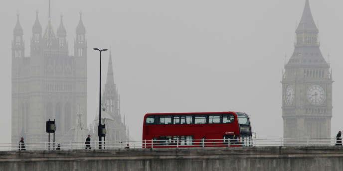 Le Waterloo Bridge. Londres, le 13 avril.