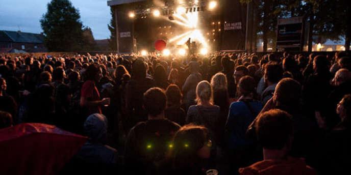Un concert lors des Nuits secrètes à Aulnoye-Aymeries, un festival atypique dans le Nord.