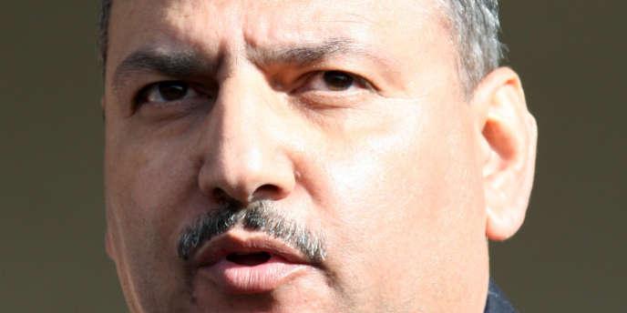 Le premier ministre syrien, Ryad Hijab, qui a fait défection, a rejoint l'opposition.