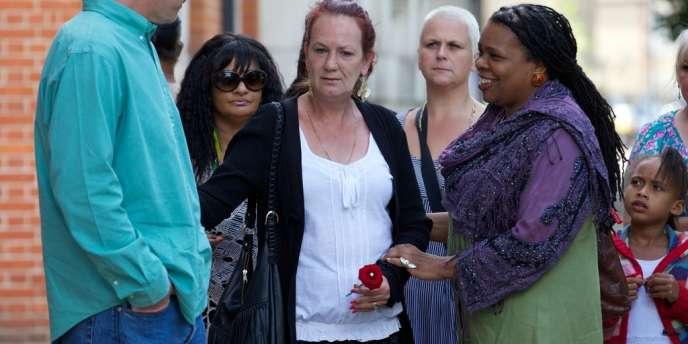 La mère de Mark Duggan lors de la cérémonie en hommage à son fils, le 5 août 2012, dans le quartier de Tottenham à Londres.