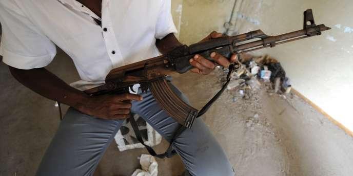 Au moins six personnes ont été tuées dans l'attaque d'un camp militaire au nord d'Abidjan, lundi 6 août.