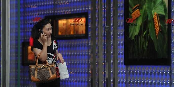 Une inquiétude se fait jour devant la sino-dépendance des entreprises du luxe. Ici, centre commercial à Shanghaï, le 6 juillet 2012.