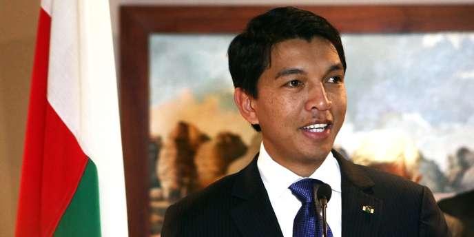 Andry Rajoelina, le 9 août à l'aéroport d'Antananarivo.