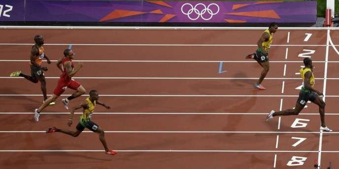 Bolt devance jeudi sur 200 m Blake et Weir.