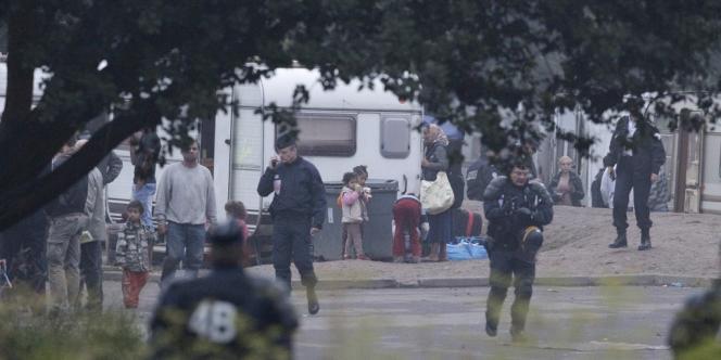 Un campement de Roms établi à Hellemmes, dans l'agglomération lilloise, a été évacué jeudi 9 août.