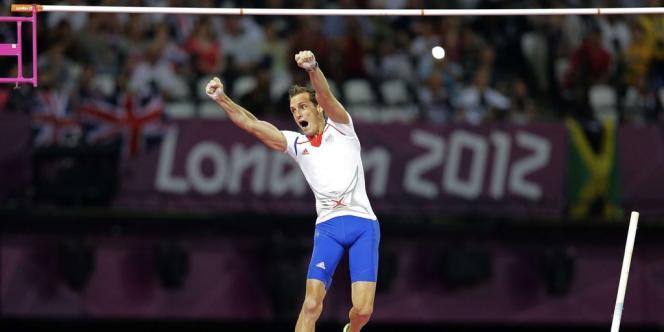 Le Français Renaud Lavillenie, champion olympique de saut à la perche, 16 ans après le sacre de Jean Galfione.