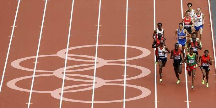 Mo Farah a réalisé le doublé 5000-10000 m aux JO 2012.