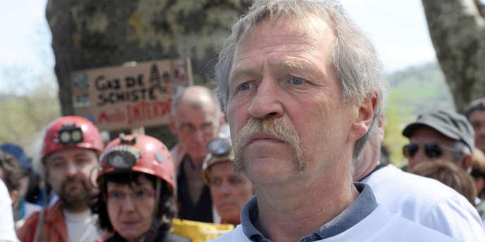José Bové lors d'une manifestation contre les gaz de schiste à Nantes, en avril 2011.