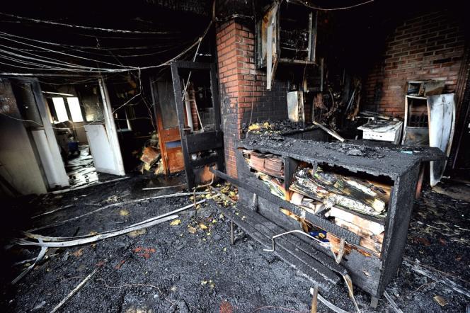 Une école maternelle a été en partie incendiée à Amiens pendant les émeutes de 2012.