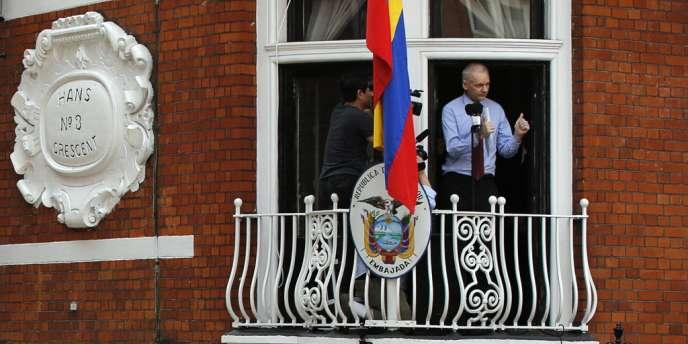 Julian Assange s'est exprimé du balcon de l'ambassade équatorienne à Londres, le 19 août.