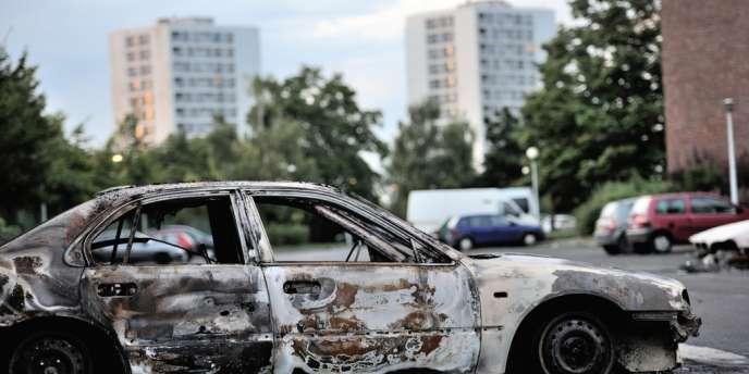 A Amiens-Nord le 15 août après les violences qui ont opposé des jeunes aux policiers. Le ministre délégué à la ville François Lamy s'est rendu dans ce quartier défavorisé lundi 20 août.