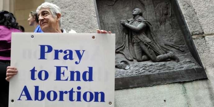 Manifestant anti-avortement pendant un