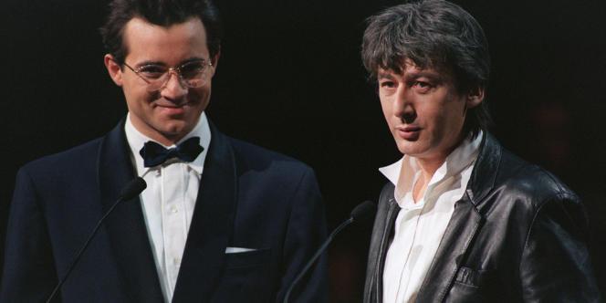 Jean-Luc Delarue avec Alain Bashung en 1993 lors des Victoires de la musique.