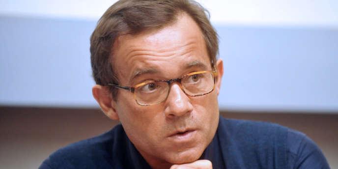 Les membres du réseau qui fournaissait Jean-Luc Delarue, l'ancien animateur de télévision, sont jugés à Nanterre - ici, le 24 février 2011 à Quimper lors d'une rencontre avec des lycéens sur les risques de l'addiction aux drogues.