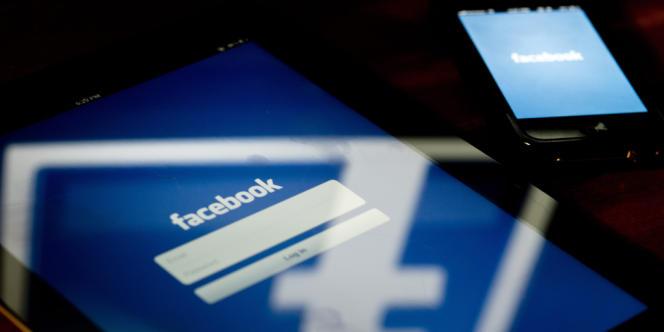 L'application de Facebook, sur des terminaux mobiles.