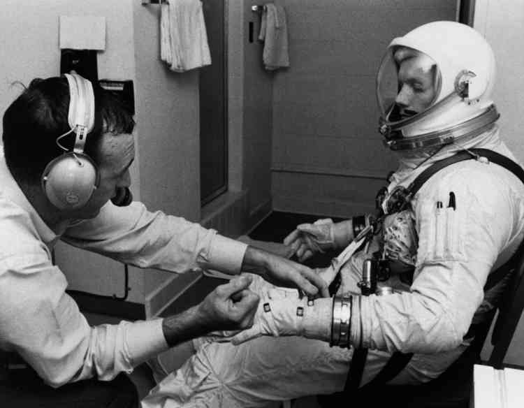 A picture released on February 28, 1966 at the Kennedy Space Center shows astronaut and pilot Neil Armstrong during a training session before the lauching of the Agena rocket carrying the Gemini-VIII space shuttle. The Gemini 8 program was the 12th manned American flight launched from Cape Canaveral Air force Station on March 16, 1966. The spacecraft landed in the Pacific Ocean on March 17, 1966. AFP PHOTO / NASA