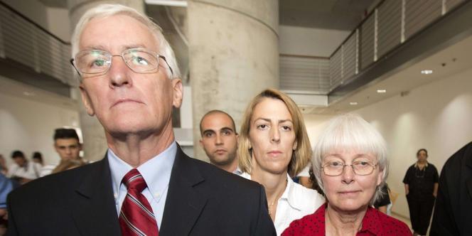 Craig, Sarah et Cindy Corrie au tribunal de district de Haïfa, le 28 août 2012.