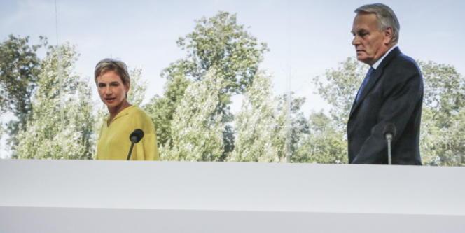 Jean-Marc Ayrault a été le premier chef d'un gouvernement de gauche convié à ouvrir les travaux de rentrée du patronat, en présence de la présidente du Medef, Laurence Parisot.