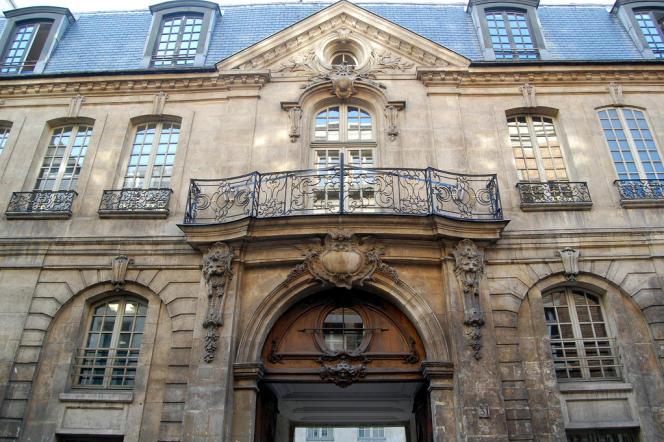 L'entrée de l'Hotel d'Albret, 31 rue des Francs-Bourgeois dans le quartier du Marais à France