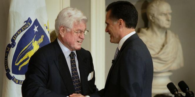 Mitt Romney et Ted Kennedy, en 2006.