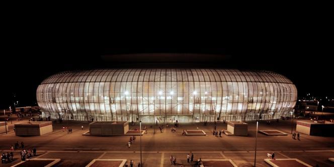Après avoir construit le grand stade de Lille, le groupe de BTP Eiffage se rémunère en exploitant les lieux.
