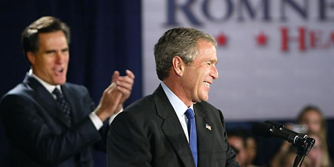 Romney et  George W. Bush en 2002.