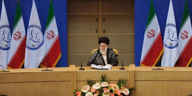 Le 16e sommet des 120 pays non alignés s'est ouvert jeudi 30 août au matin à Téhéran, en présence de 29 chefs d'Etat et de gouvernement, selon les images retransmises par la télévision d'Etat iranienne.