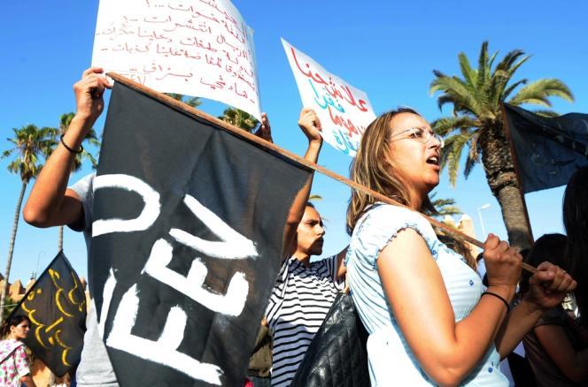 Des militants du Mouvement du 20 février, qui appellent à plus de démocratie au Maroc, manifestent à Rabat, le 26 août.