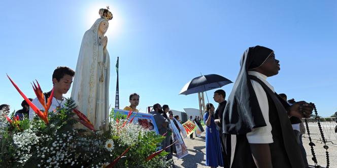 Une manifestation antiavortement devant la Cour suprême brésilienne, à Brasilia le11avril2012.