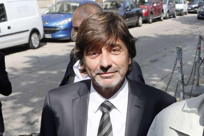 Michel Neyret, ex-numéro deux de la police judiciaire de Lyon, a été révoqué par Manuel Valls, le ministre de l'intérieur.