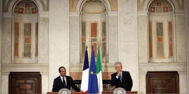 François Hollande, en visite à Rome, mardi 4 septembre, avec le premier ministre Mario Monti.