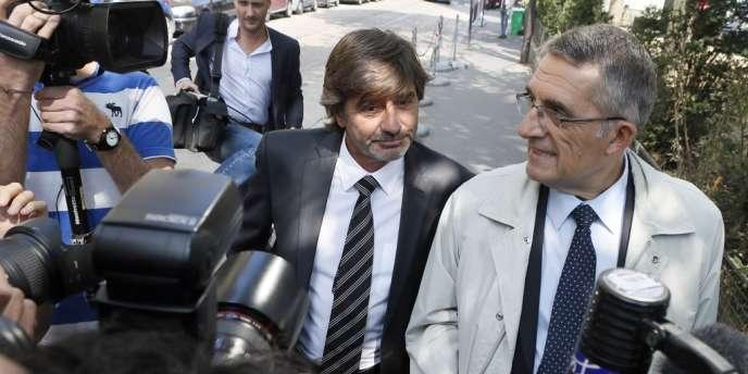Michel Neyret, mis en examen dans une affaire de trafic d'influence et de stupéfiants, à son arrivée au conseil de discipline de la police, le 4 septembre, à Paris.