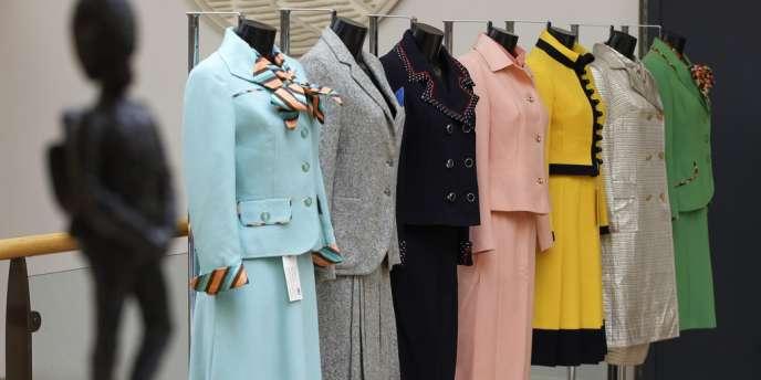 Les sept tenues de Margaret Thatcher mises aux enchères.