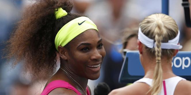 L'Américaine Serena Williams s'est qualifiée facilement pour les quarts de finale de l'US Open aux dépens de la Tchèque Andrea Hlavackova.