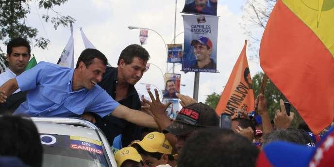 Le candidat de l'opposition, Henrique Capriles Radonski, dans l'Etat de Miranda, au Venezuela, le 1er septembre.