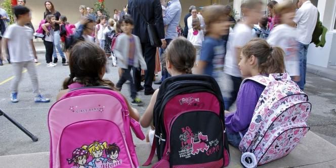 Des associations et des marques proposent d'aider les plus démunis à s'équiper pour l'école.