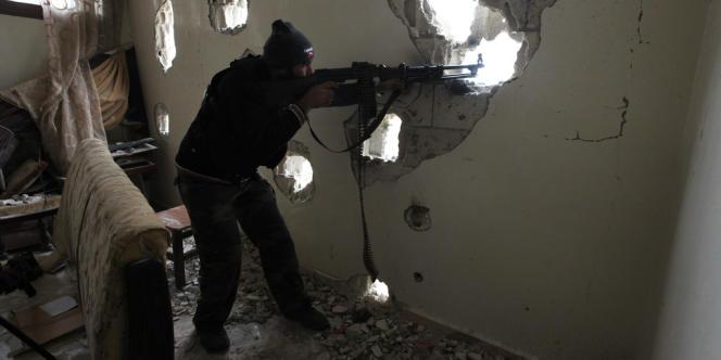 Tombés dans une embuscade à Adra, près de Damas, la soixantaine de rebelles tués appartiendraient au front Al Nousra, proche d'Al Qaïda, selon l'agence officielle syrienne.
