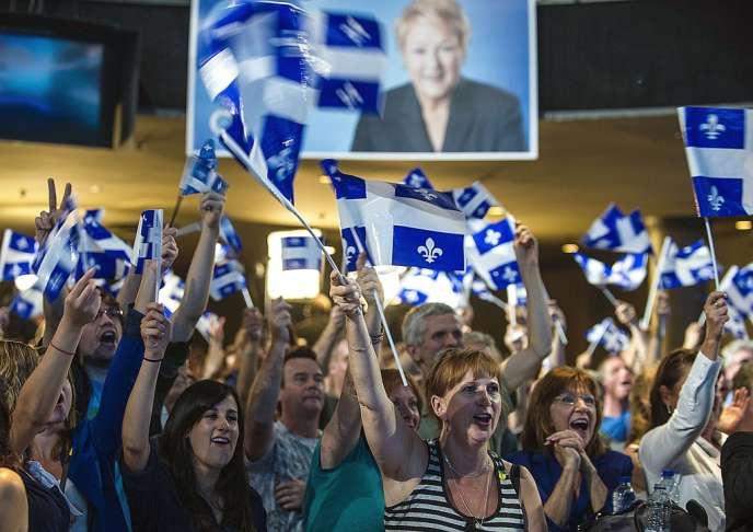 Des partisans du Parti québecois, à Montréal, le 4 septembre 2012.